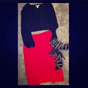 Eva Mendez red pencil skirt with from split